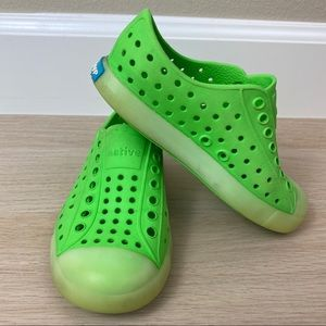 Native Glow in the Dark Green Shoes C9
